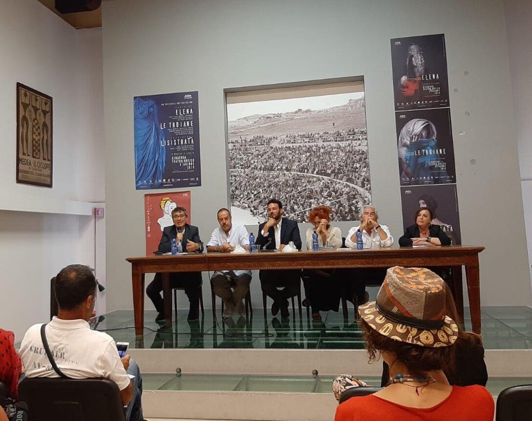 """Nuove agevolazioni per """"Elena"""", """"Le Troiane"""" e """"Lisistrata"""" - Stagione 2019 Teatro Greco di Siracusa"""