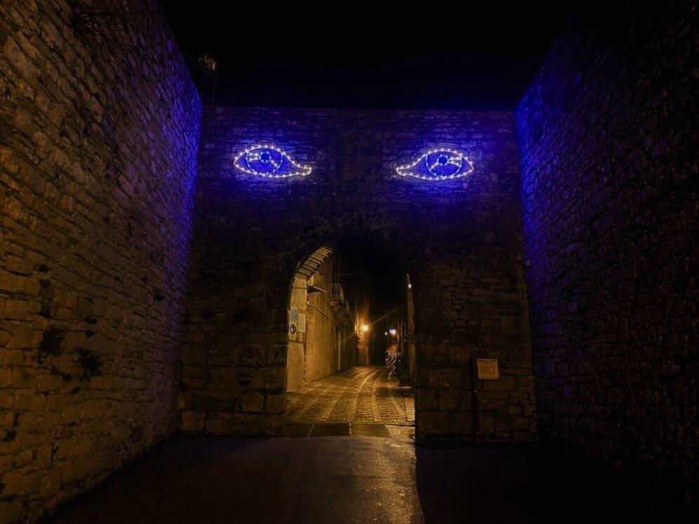 Le luminarie di Pellegrino accendono per Santa Lucia i vicoli di Erice con le musiche di Battiato