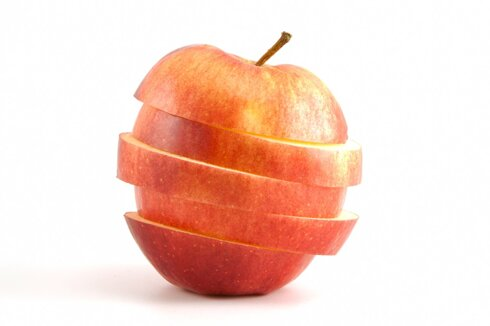 optimized-sliced-red-apple-pxm69mg