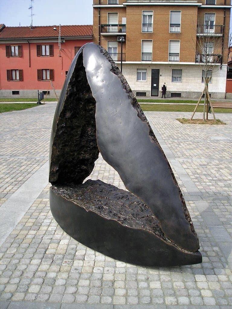 copiadilorenzobonini-piazzadeitreparchidipioltello7edited-1609940709.jpg