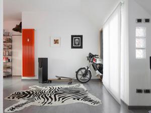 AB Studio Architettura Penthouse Milano ristrutturazione attico arch, Valeria Armani moto in soggiorno